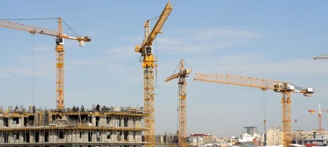 Відповідальність за організацію та ведення робіт на будівельних майданчиках несуть замовник та генпідрядник